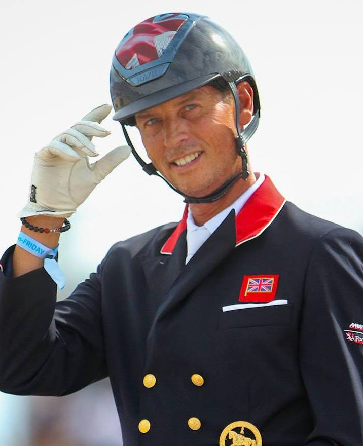 Carl Hester saluting on horse